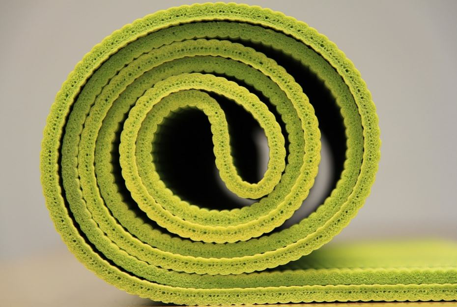 thick yoga mat for bad knees